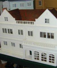 The Dolls House (Established 1971)