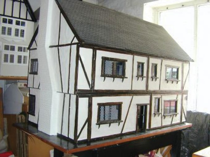 The Dolls House (Established 1971)